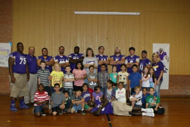 lions-football-outreach-group-shot
